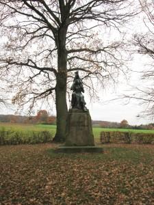 Johannes Schilling, Monument au 6e Régiment d'Infanterie de Thuringe (vue d'ensemble)